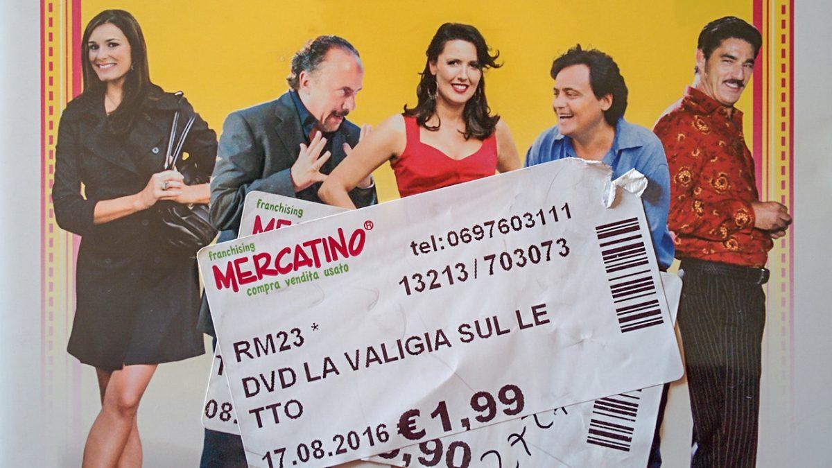La valigia sul letto (2010) featured