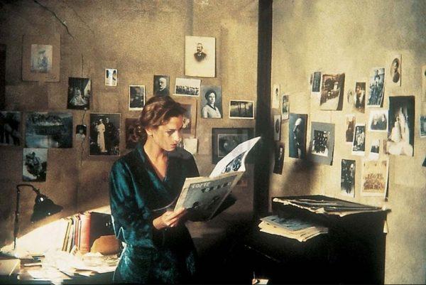 Il prete bello (1989)